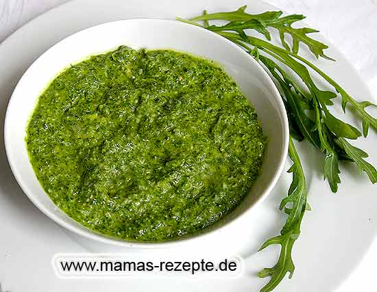 rucola pesto mamas rezepte mit bild und kalorienangaben. Black Bedroom Furniture Sets. Home Design Ideas